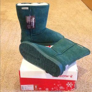 New women bearpaw boots emerald green htf shoes 8
